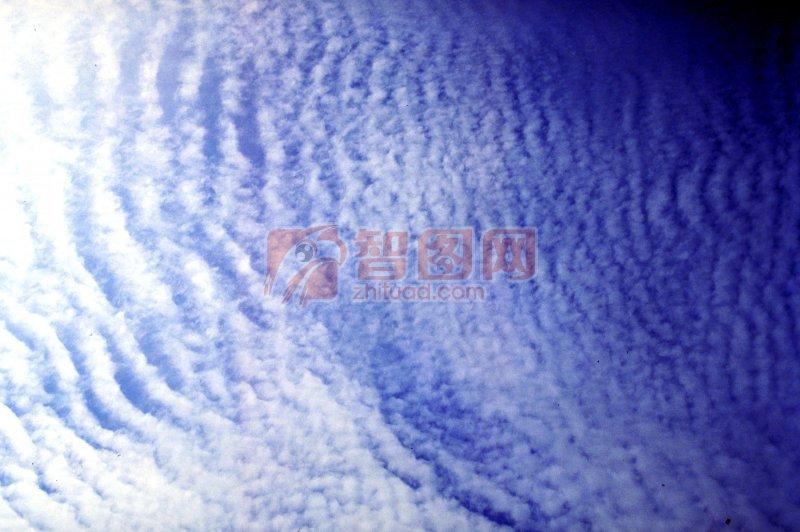 云海绵绵 白云飘飘