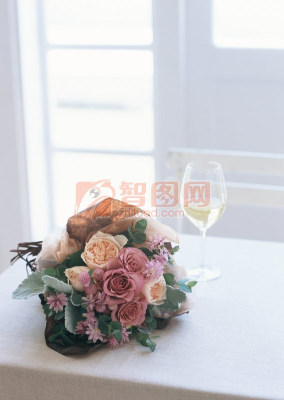 桌上的花束