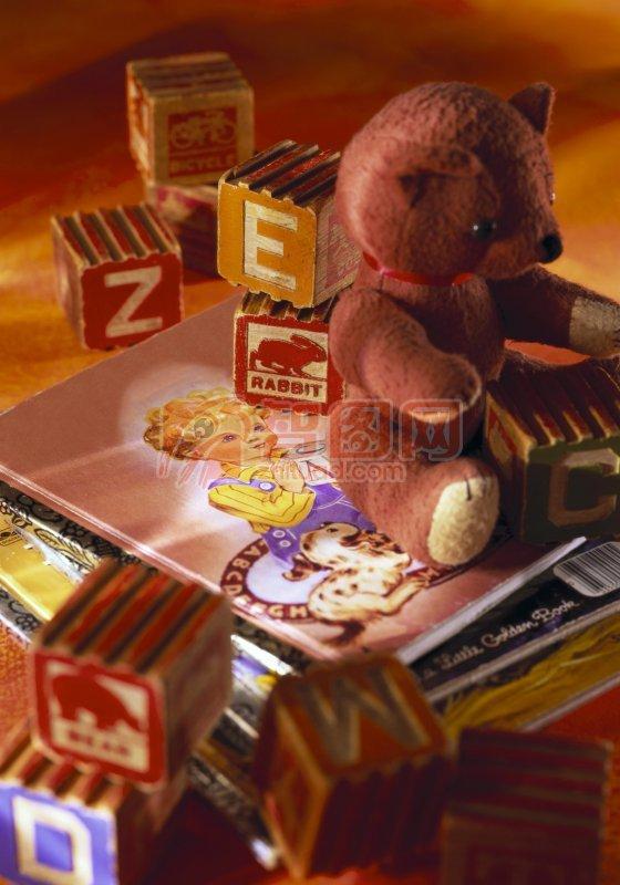 小熊玩具 字母积木 卡通画 卡通小熊