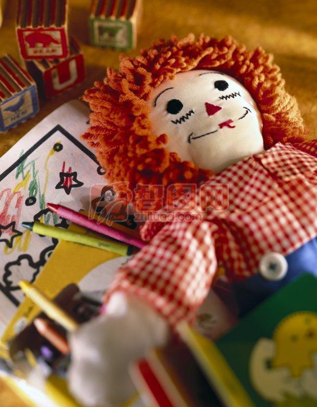 布娃娃 金色头发娃娃 洋娃娃