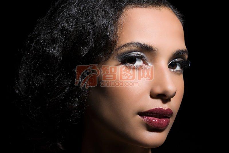 【jpg】黑色背景美女摄影