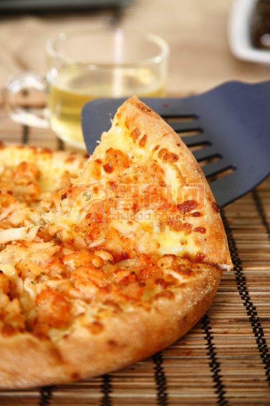 虾仔烧烤比萨