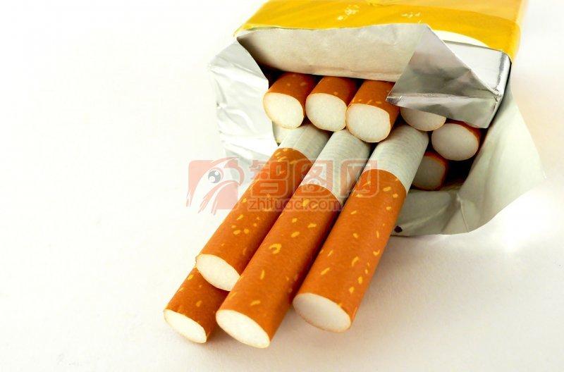 黄色盒子香烟