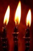 暗红色背景蜡烛元素