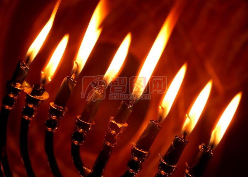 暗红色背景蜡烛素材