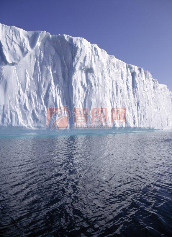 关键词: 峡谷冰山 波纹 高清海上风景 海边自然风景摄影 自然风景