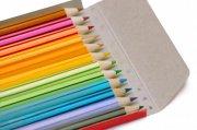 一盒彩色铅笔