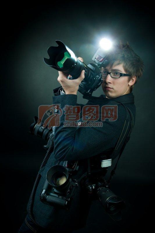 关键词: 高清摄像师 帅哥元素 摄像机素材 闪光灯素材 摄像师元素