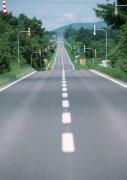 道路白色虚线