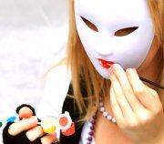 白色面具摄影
