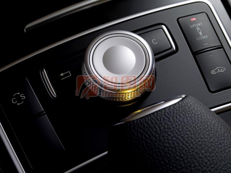 2010款E級轎車內部攝影