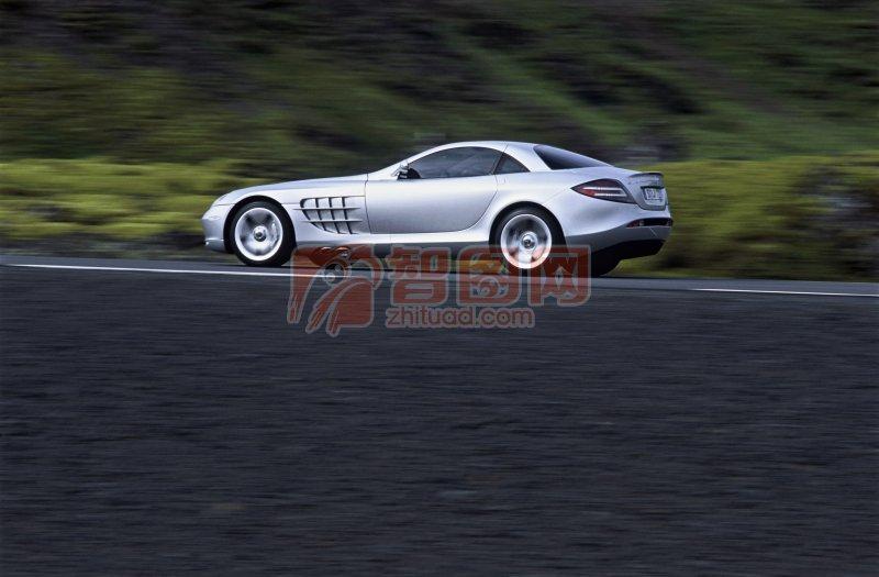 白色轎車素材