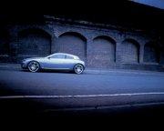 白色車身轎車攝影