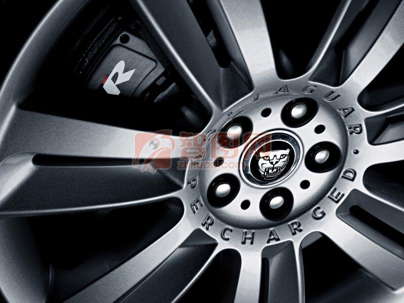 轎車輪胎攝影