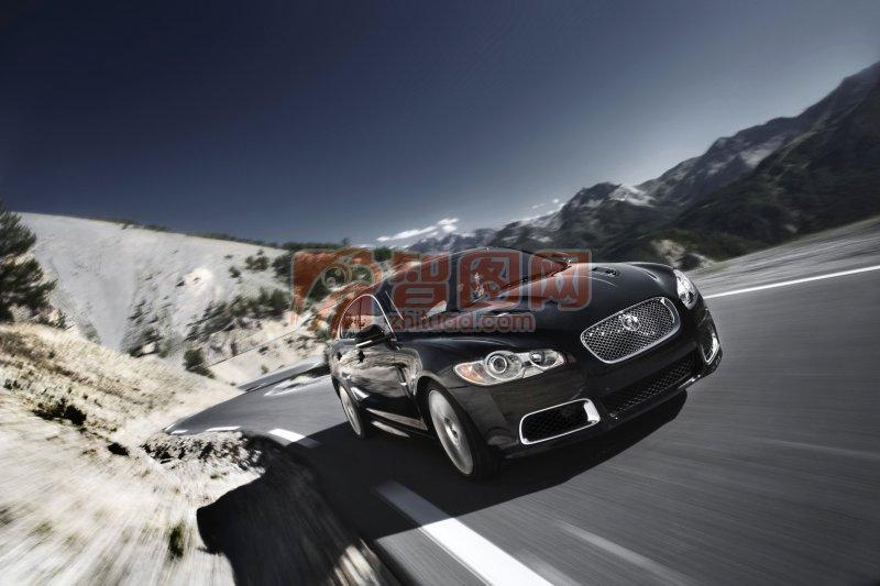 黑色車身高級轎車元素