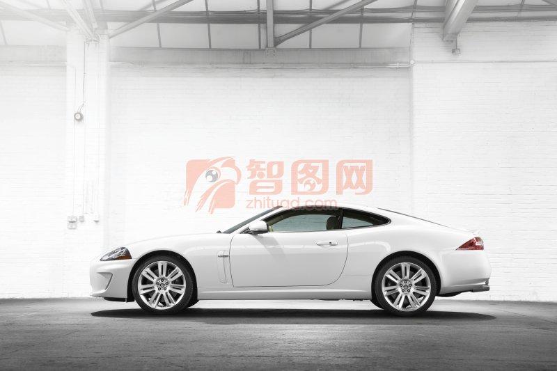 白色車身攝影元素
