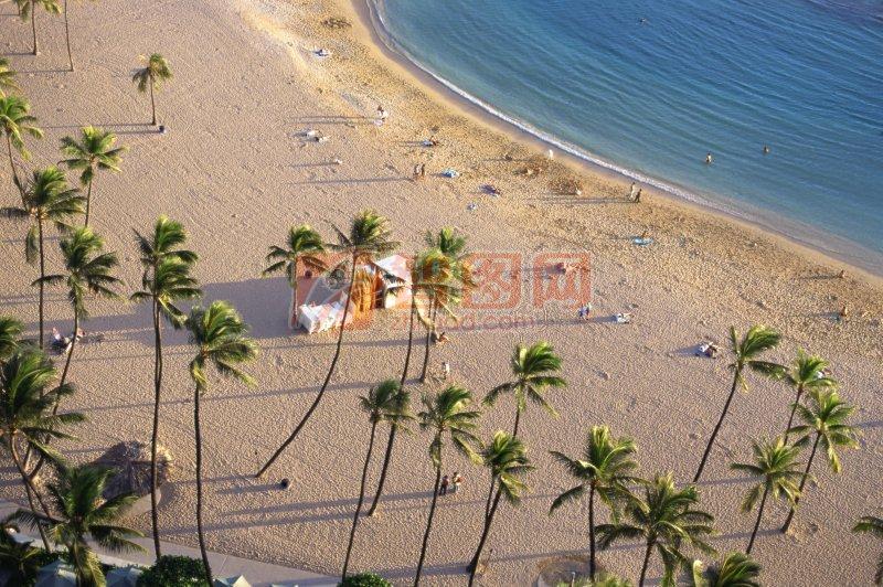 下一张图片:海边风景元素摄影
