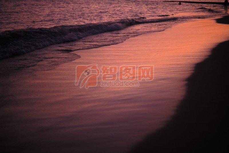 棕紅色背景海景元素