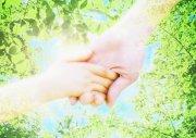 沐浴陽光的手