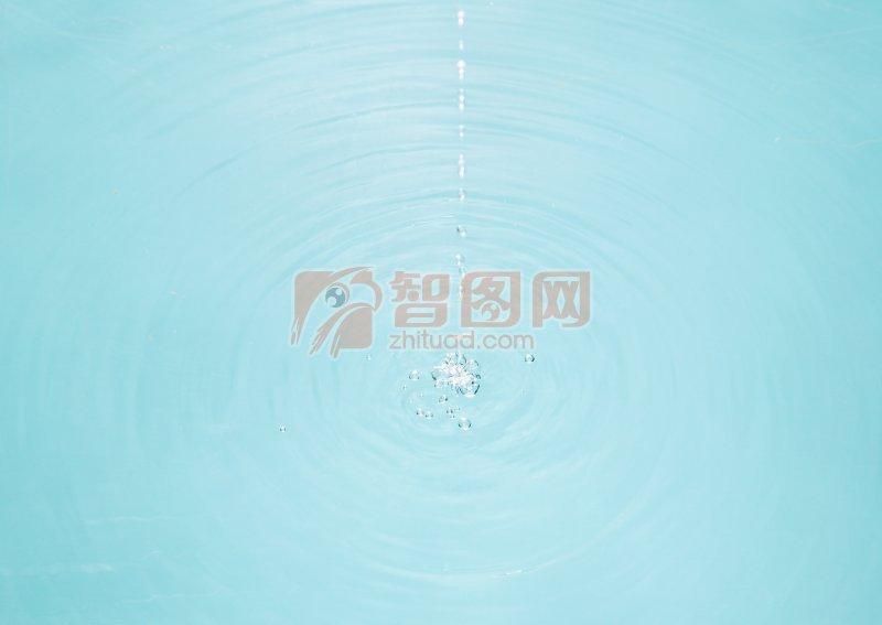 淺藍色水波元素