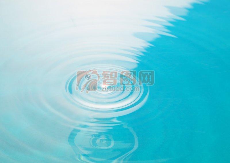 淺綠色水波