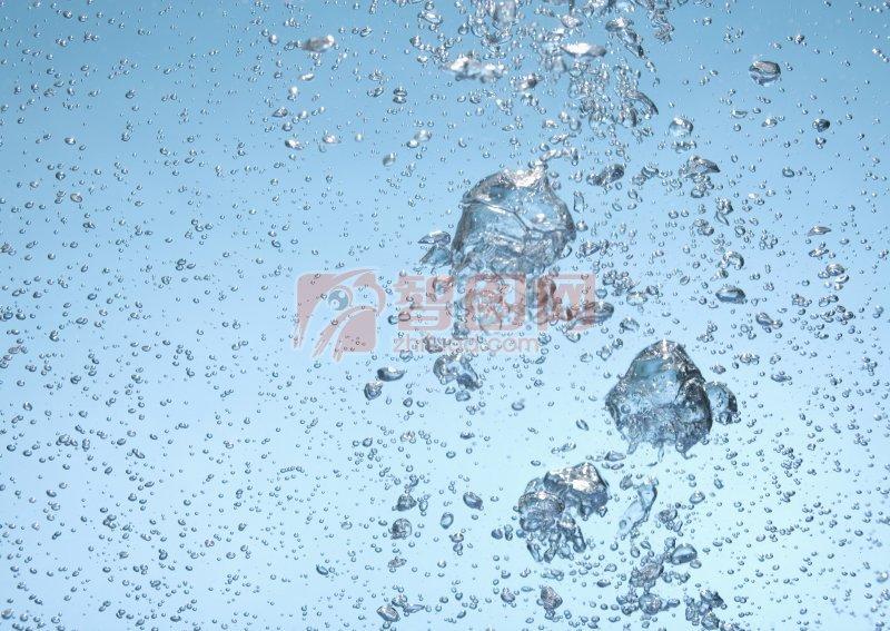 淺藍色背景水珠元素
