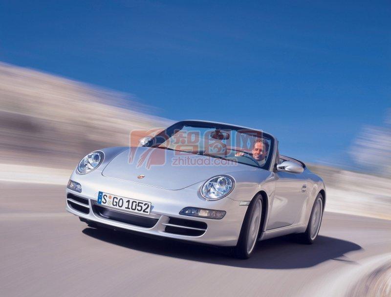 银色Carrera轿车·