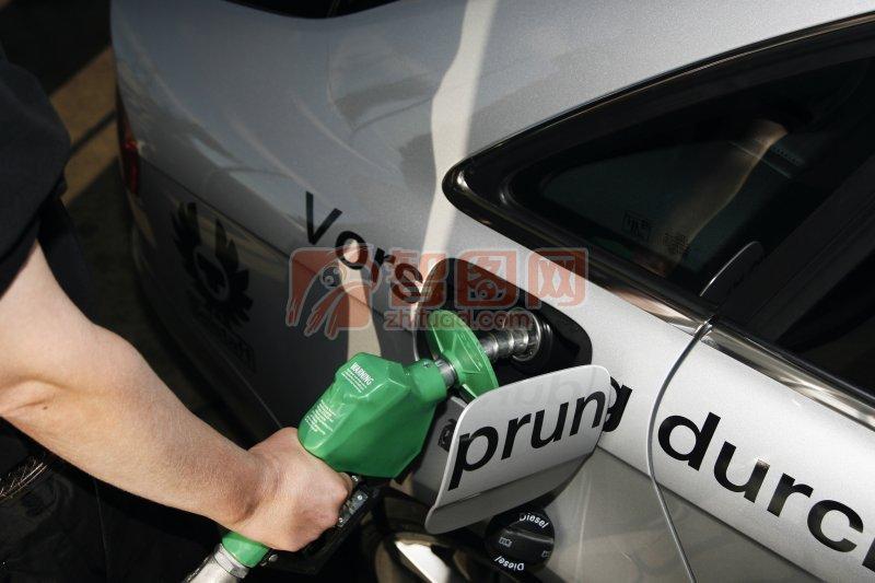 轿车油箱位置_轿车 油箱 汽车 油箱 解放 汽车 ...