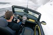 MINI轎車雪景攝影