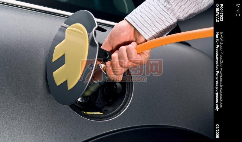 MINI轎車加油攝影