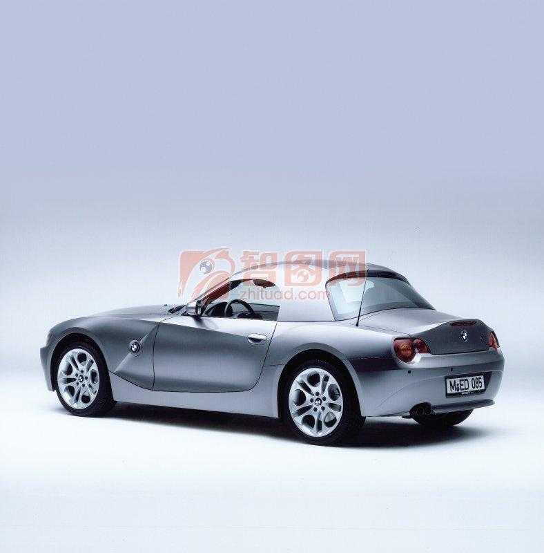 銀灰色轎車元素
