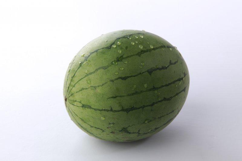 餐饮美食 食物原料  关键词: 说明:-西瓜 上一张图片:   绿色蔬菜 下